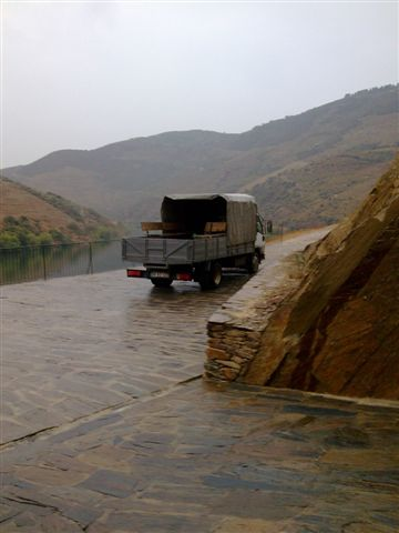 Arlindos lorry in the rain
