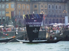 The Dow's boat came in fourth place. This year the University of Porto was celebrating their 100th anniversary, and as part of the festivities, the Symingtons shared the Dow's boat with them.