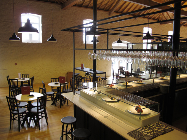 The Wine Bar at Vinum: come and enjoy wines by the glass with some great tapas