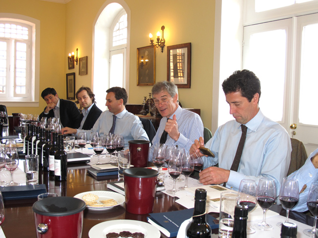 Paul and Charles Symington talk the guests through the wines
